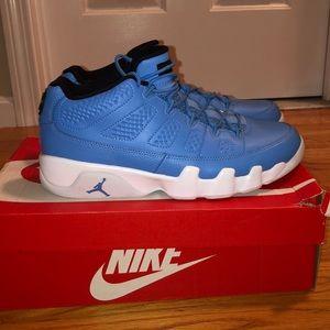 *NEW* Air Jordan 9 Low Retro Pantone Blue